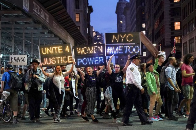 181004-metoo-protest-new-york-ew-1156a_688682acee523bceaac0b4bd5b352889.fit-1240w[1]